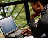 Jaka je interakce mezi webem ÚOOÚ a veřejností, případně návštěvníky webu?